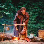 Robert Maskell as Friar Tuck
